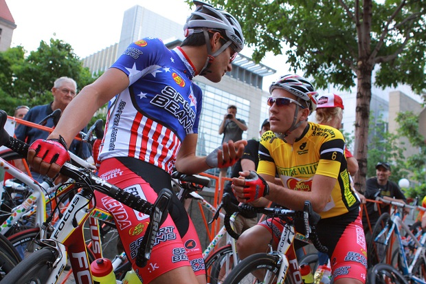 A little friendly chatter before the race. photo Stephanie Williams