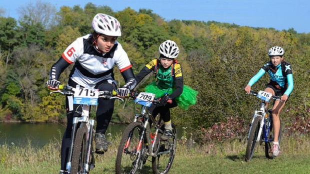More girls riding together in their race in Austin, MN.