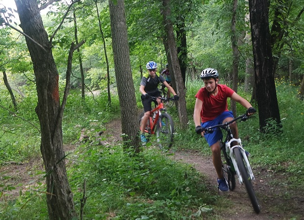an after school ride on the bike trails The beginner trail is designed for the new bike park rider who has previously demonstrated an ability to ride a bike before using these trails intermediate: this trail designation is more difficult.