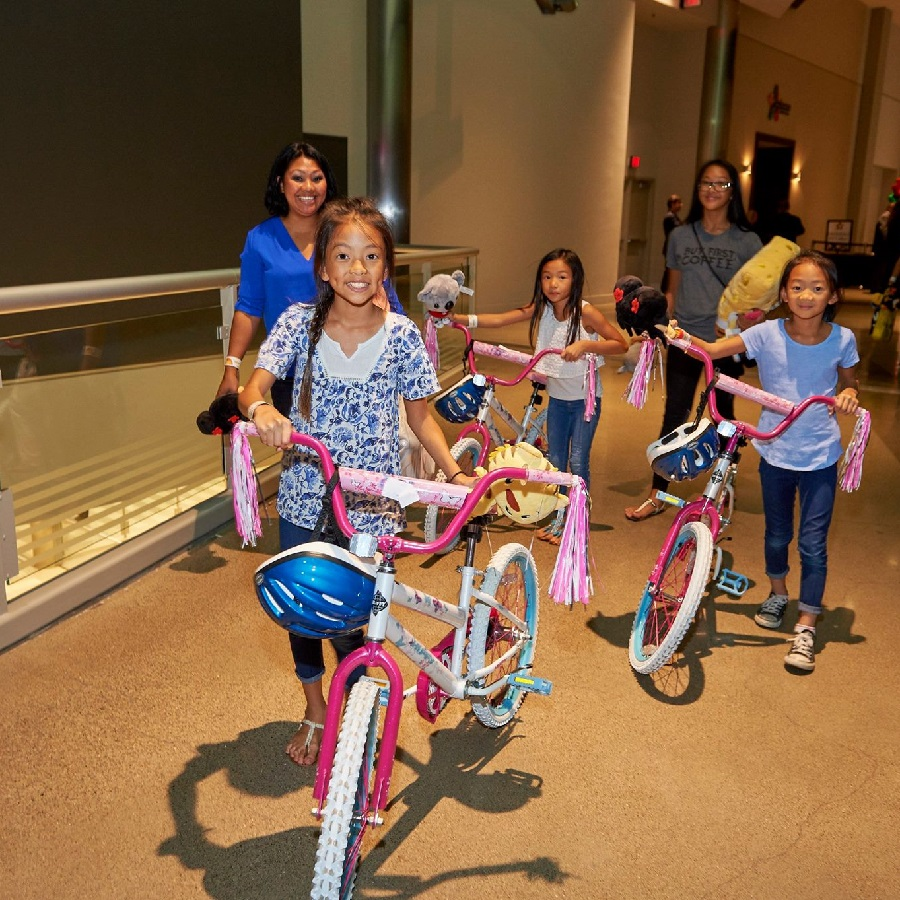 Free Bikes for Kids help kids smile with the 2016 season Bike Collection Day, on Saturday, October 8th, Donate your bikes to help more kids.