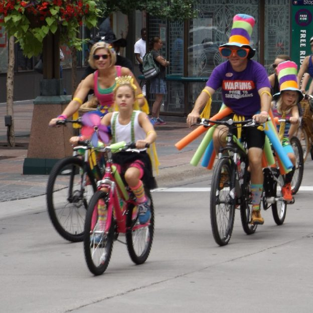 Here are some bike friendly Halloween costumes to consider.