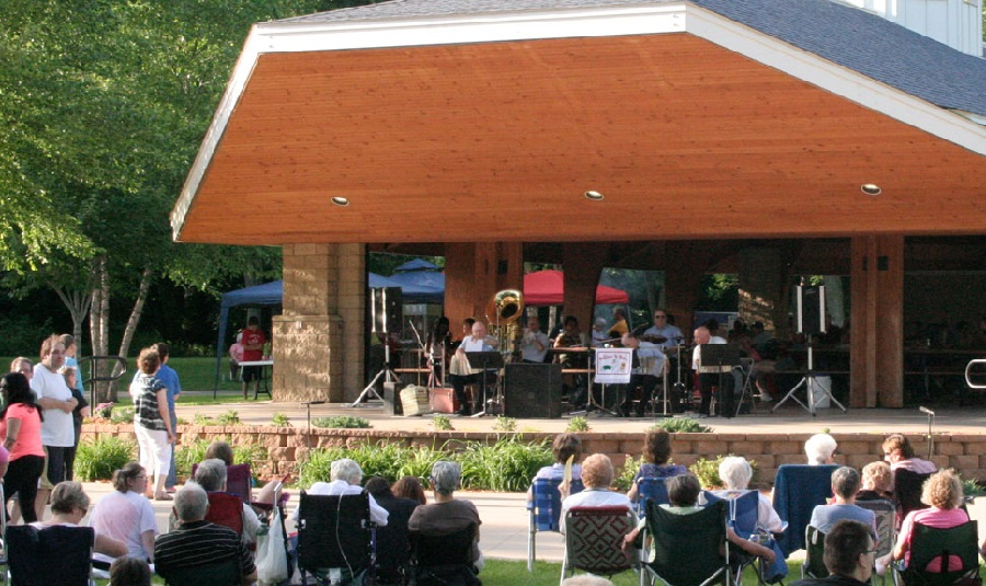 Concerts in the Park in Coon Rapids offer music each Thursday Night through the summer.
