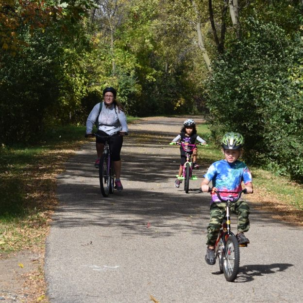 In the western part of Bloomington MN you will find Hyland Park with over 1,000 acres of parkland act as the Twin Cities best destination for active families, recreational riders, and beach goers.