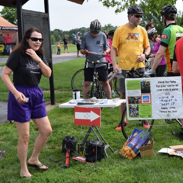 In celebration of its annual art festival next weekend, Lakeville, MN will host it second 2017 Pedal in the Parks bicycle rides this next weekend.