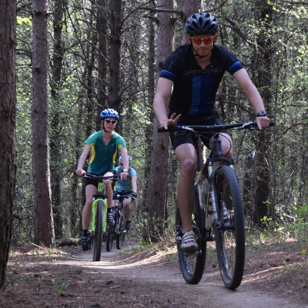"Mountain Bikes (MTB) may all look similar, however there are substantial differences between them. First lets take a look at the ""It looks like a mountain bike"" version, then we will look at a true mountain bike."