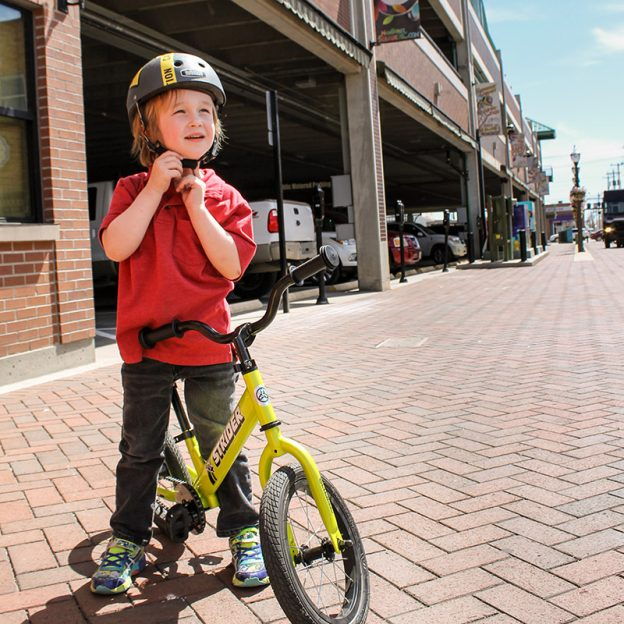 The Strider 14X is a really cool new balance bike that incorporates an install-able drivetrain for when the kids have learned balance. Read on to learn more