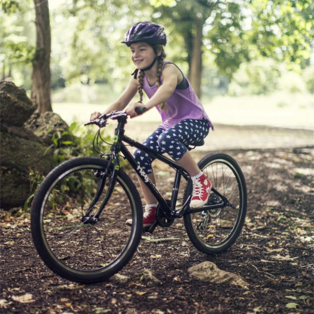 The Frog 62 is special because it is at the spear tip of a new movement in children's bicycle development that fits better and weighs less.