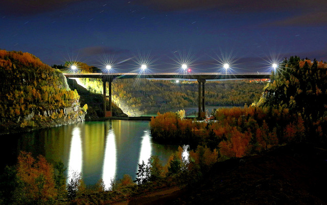 An evening view of the Hwy 53 Bridge over the Rouchleau Pit is also stunning. (photo by Paul Pluswik).