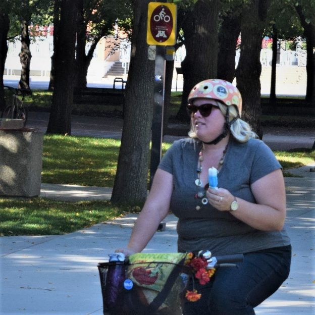 On this ice cream smiles Sunday, number twenty-nine of #30DaysofBiking, we look back at this sunny day. Here this biker chick is pedaling through the University of Minnesota campus, enjoying a cool treat along the way.
