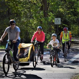 This Bike Pic Friday, with fond summer memories, we found this photo of afamily enjoying the trails in theMankato Area of Minnesota.
