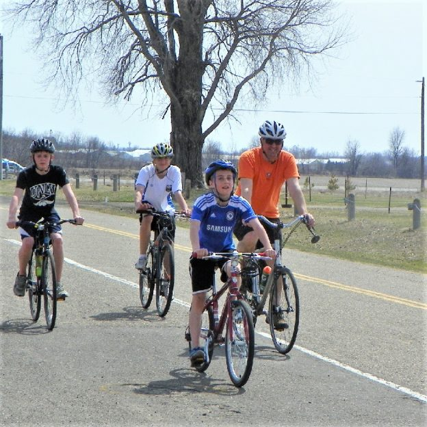 This Easter Sunday bike pic, hope your family or friends can join you celebrate day-21 of 30-days of biking for your personal commitment.