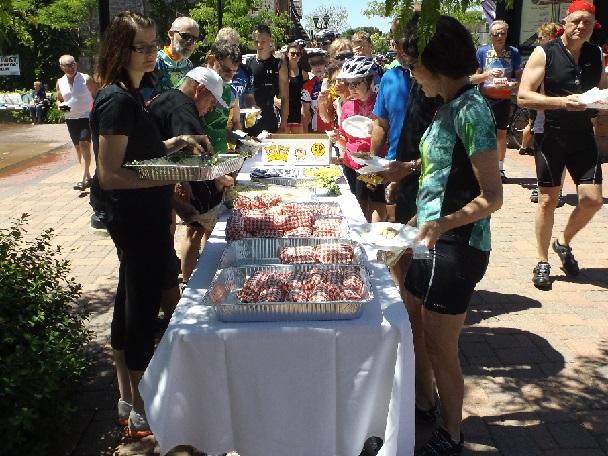 Train & Trail participants enjoying lunch in Elk River (2014)