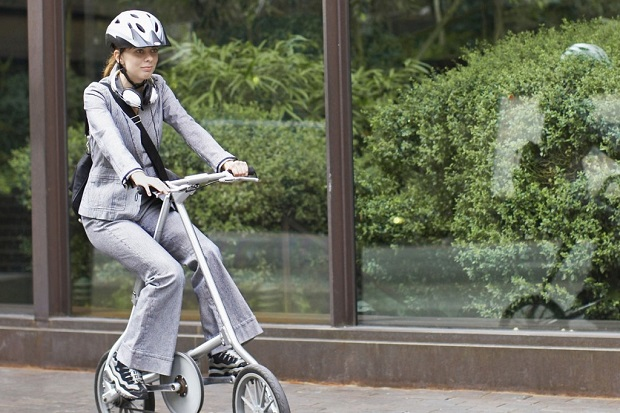 Easy to store, take out, set up and ride a folding bike is the perfect commuters companion.