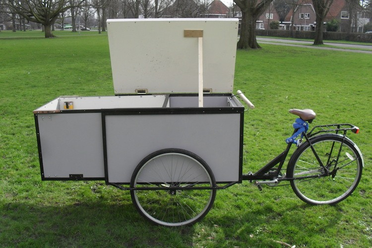 ... design appears to keep it fairly slim and balanced when compared to  other cycle camper set-ups – it looks comparable to a cargo trike when in  ride mode.